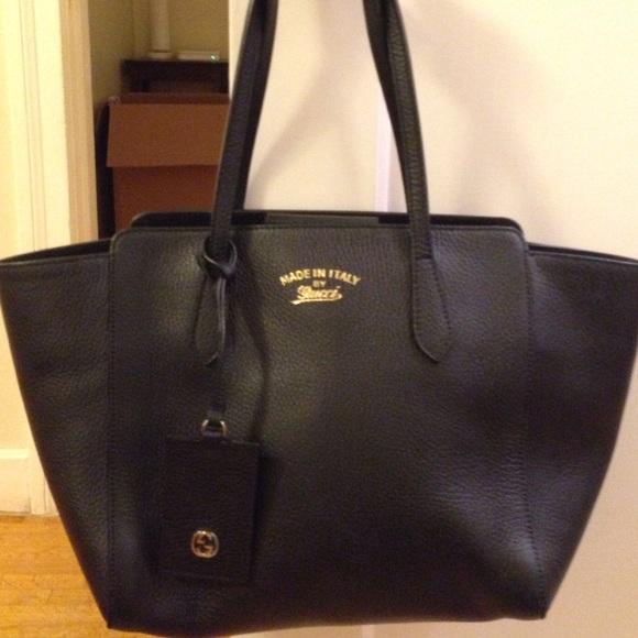 d79a08099e88 Gucci Bags | Authentic Swing Tote | Poshmark