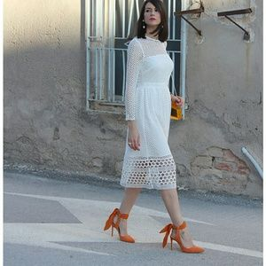 Zara orange slingback closed toed heel with bow