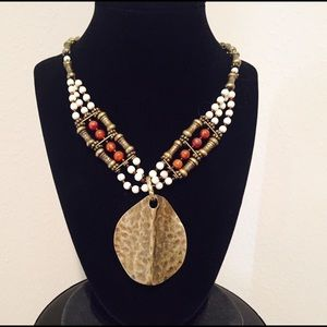 Jewelry - Beautiful tribal necklace in earth tones 🌺