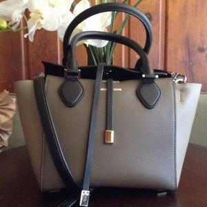 Michael Kors Handbags - Michael Kors mini Miranda-collection