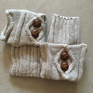 Accessories - ! 2 pairs for $8 ! Cute Crochet Knit Cuffs