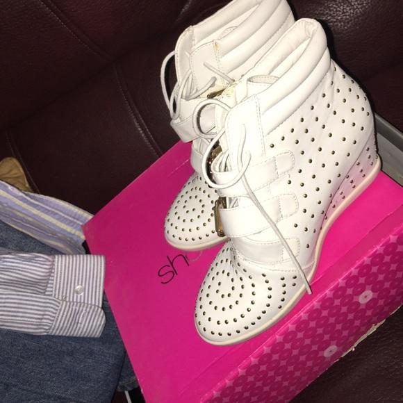 Women tennis shoe wedges