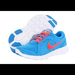 Nike flex running shoes 7.5 blue coral