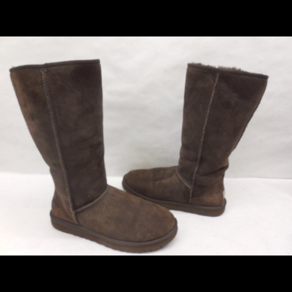 8b76edce0e3 UGG classic tall 5815 chocolate suede boots size 8