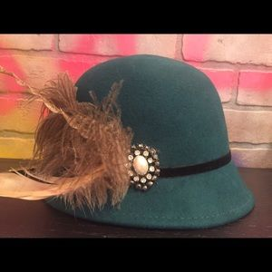 Callahan Accessories - Vintage  Wool hat with rhinestone/feather detail