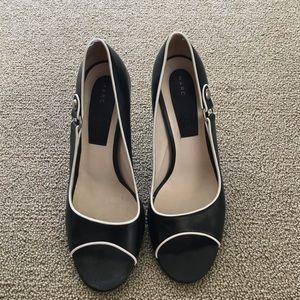 Marc Jacobs Shoes - Vintage Marc Jacobs shoes size 8 1/2 M