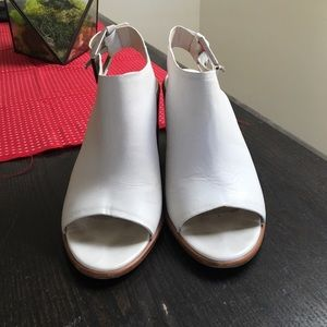 Zara block heel. Real 100% leather. White