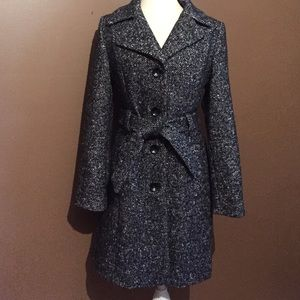 Beautiful wool blend Anne Klein coat!!