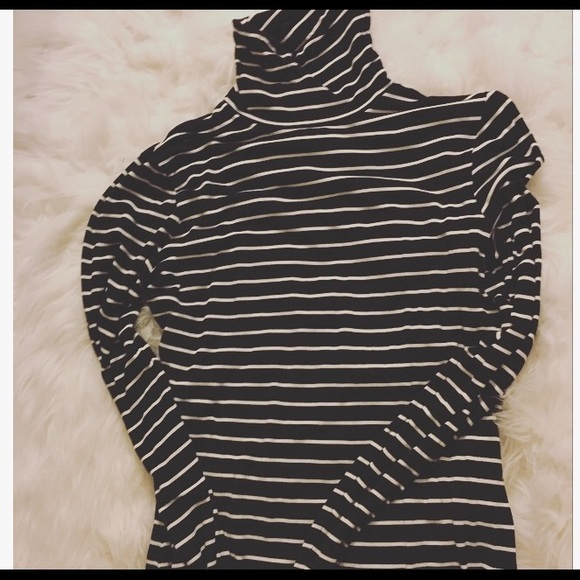 dd467ad472cbc H M Tops - H M black and white striped turtleneck