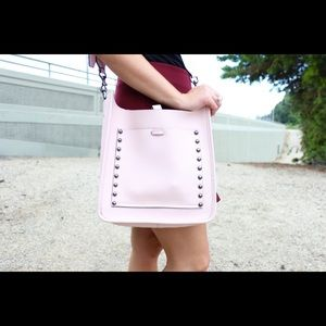 Rebecca minkoff unlined feed bag in blush