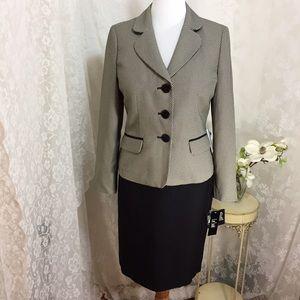 Le Suit Jackets & Blazers - Le Suit print jacket skirt suit black. B024