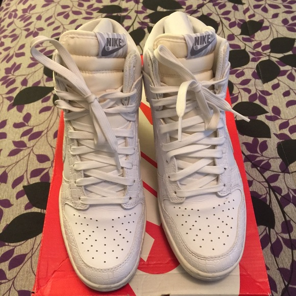 best sneakers 33604 358d5 Women s Dunk sky hi white snake skin size 8. M 57db490bf739bccf0a0132c6