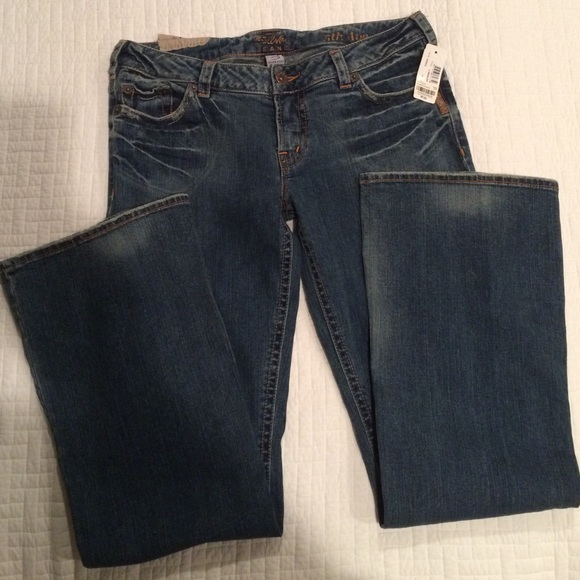 56% off Silver Jeans Other - NWT Silver jeans Size 32/33 from ...