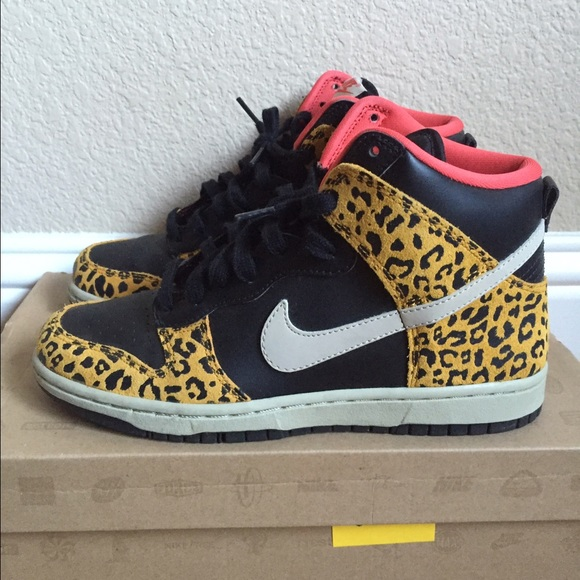 4d0d88e35610 Women's Nike Dunk High Skinny Leopard. M_57db4db6522b4548ea0139dc