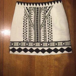Minkpink black and white tribal print skirt ▪️▫️