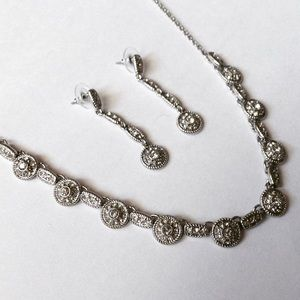 Jewelry - Silver Circular Necklace Set! NWT! Final price!