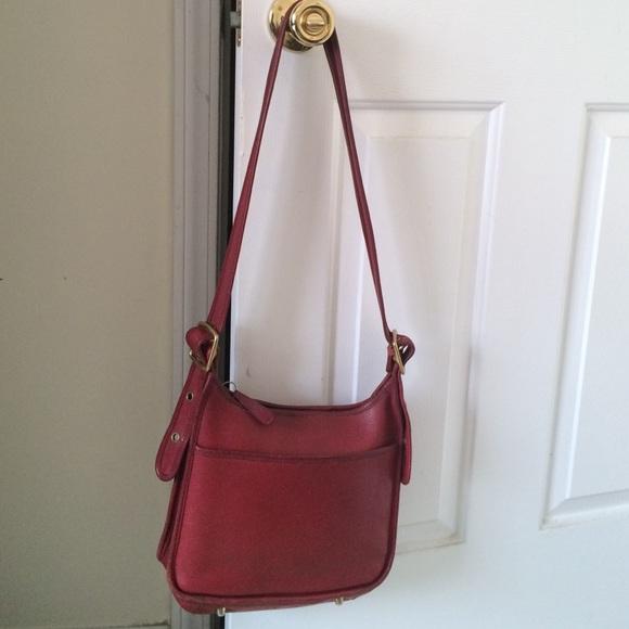 cd51b4d76 Coach Handbags - Sale! Vintage Coach Purse