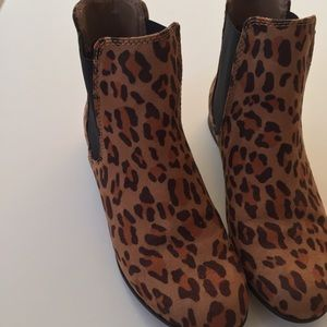 Target Shoes - Leopard flat boots