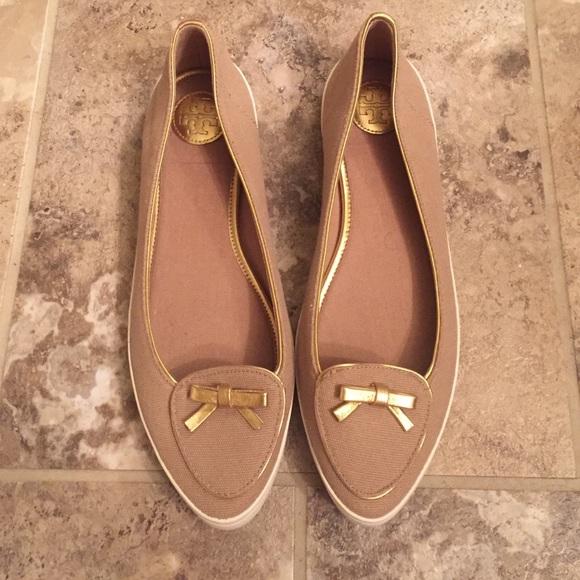 d6762a62efabe Tory Burch Dakota Sneakers. M 57dbb4fd713fde6fd9006160