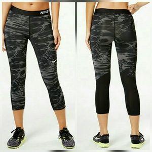 Nike Pants - Nike Pro capri tights Gray cropped