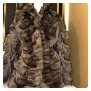 Jackets & Blazers - stunning fur coat SZ med