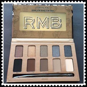 Matte & Shimmer Eyeshadow Palette