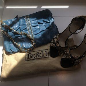 Be & D Handbags - NWT peacock blue Be & D wristlet or top handle bag
