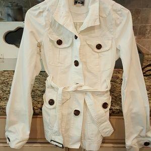 Converse One Star brand women's XS white jacket.