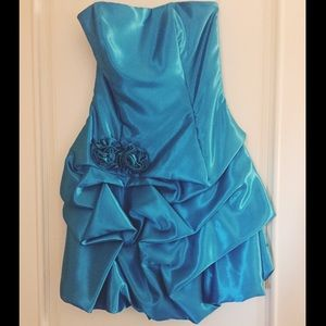 Jessica McClintock Dresses & Skirts - Jessica McClintock Blue Short+Strapless Dress