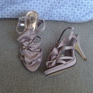 Unlisted Shoes - NWOT Kenneth Cole Unlisted Pumps