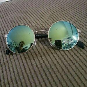 Accessories - Classic  Round Sunglasses Men and women