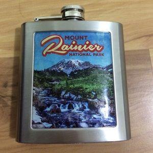 Accessories - vintage mt rainier national park flask