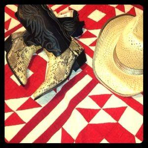 Zara Shoes - ⚡️SALE⚡️LST CHNCE VTG LAREDO SNAKE COWBOY BOOT💝🎁