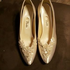 David's Bridal Shoes - Dyable white shoes with embellishments