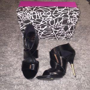 Diane von Furstenberg Shoes - DVF Leather Sandals. Very Elegant 💋