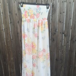 Old Navy Dresses & Skirts - NWT Floral Tube Strapless Maxi Dress size Small