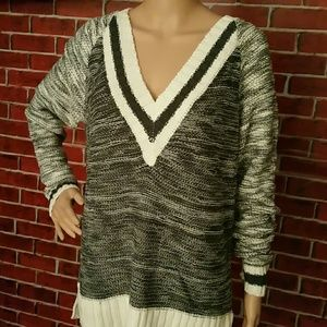 Sweaters - Flash Sale! V-Neck Pullover Sweater
