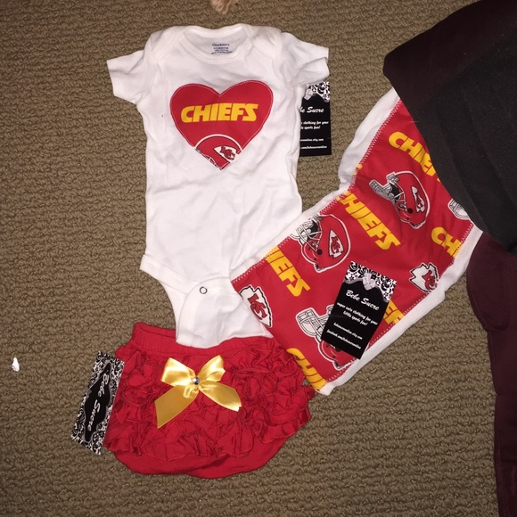 new concept 9e992 3bbd0 Kansas City Chiefs baby girl outfit NWT
