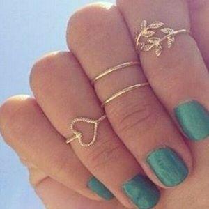 Jewelry - 4 Piece Midi Ring Set