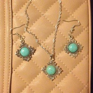 Jewelry - Turquoise Necklace and Earrings set