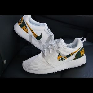 32108c64 Green Bay Packers Nike Roshe One Women Custom NWT