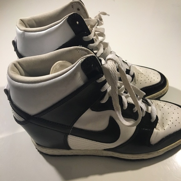 Shoes - WOMEN'S NIKE DUNK SKY HI SNEAKER WEDGE