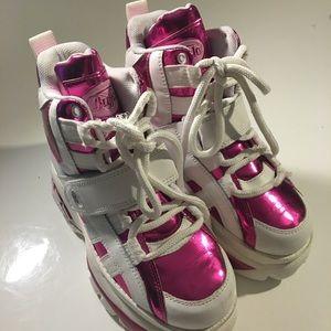 Buffalo David Bitton Shoes - BUFFALO PINK METALLIC CYBER PLATFORM SNEAKERS