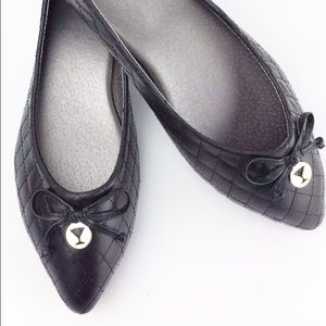 H2K Shoes - Quilted Ballet Flats Black Gold Accent Shoes NEW