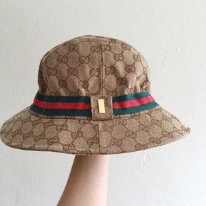 gucci gucci bucket hat from a 39 quoia 39 s closet on poshmark. Black Bedroom Furniture Sets. Home Design Ideas