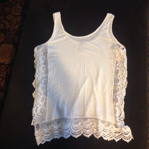 Tops - White tank size Large