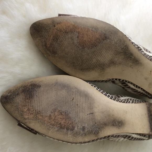 B Makowsky Shoes - Snakeskin + bow detail flats