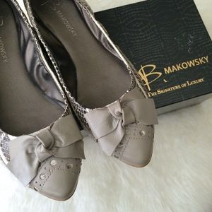 B Makowsky Shoes - Snakeskin + bow detail flats