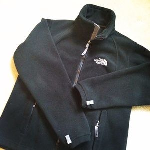 North Face Jackets & Blazers - 🎉HOST PICK🎉 The North Face Fleece Jacket