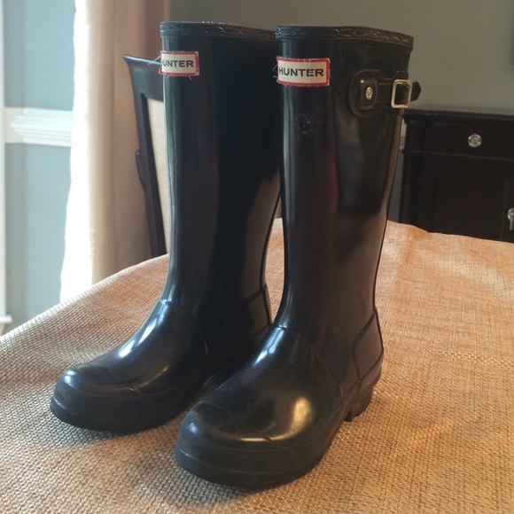 68% off Hunter Other - GUC Hunter black girls rain boots size 2 ...